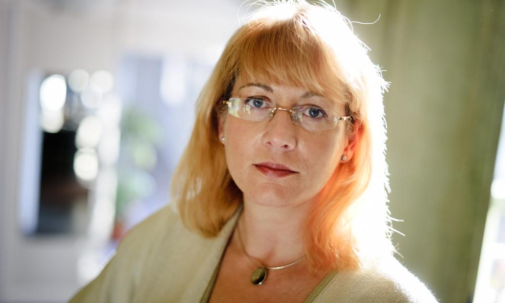 Oksana Mont, professor i hållbar konsumtion vill se ett samhälle som gör det lättare för medborgaren att välja hållbara klimatval.