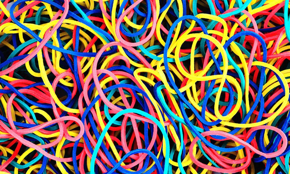 Färgrika gummiband av plast