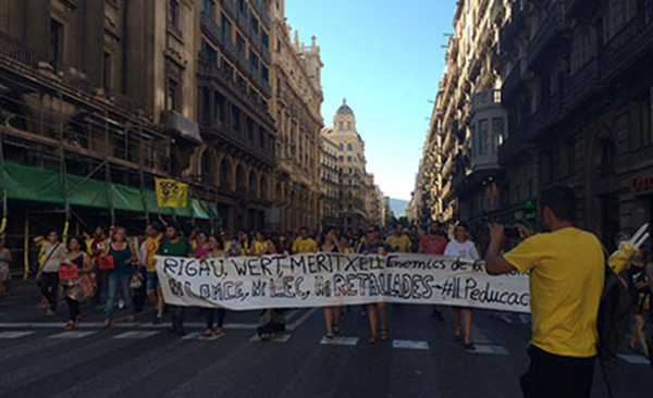 Demonstranter i Barcelona